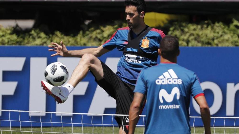 بوسكيتس في تدريبات منتخب إسبانيا