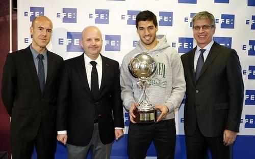 سواريز يحرز جائزة أفضل لاعب لاتيني بالليغا