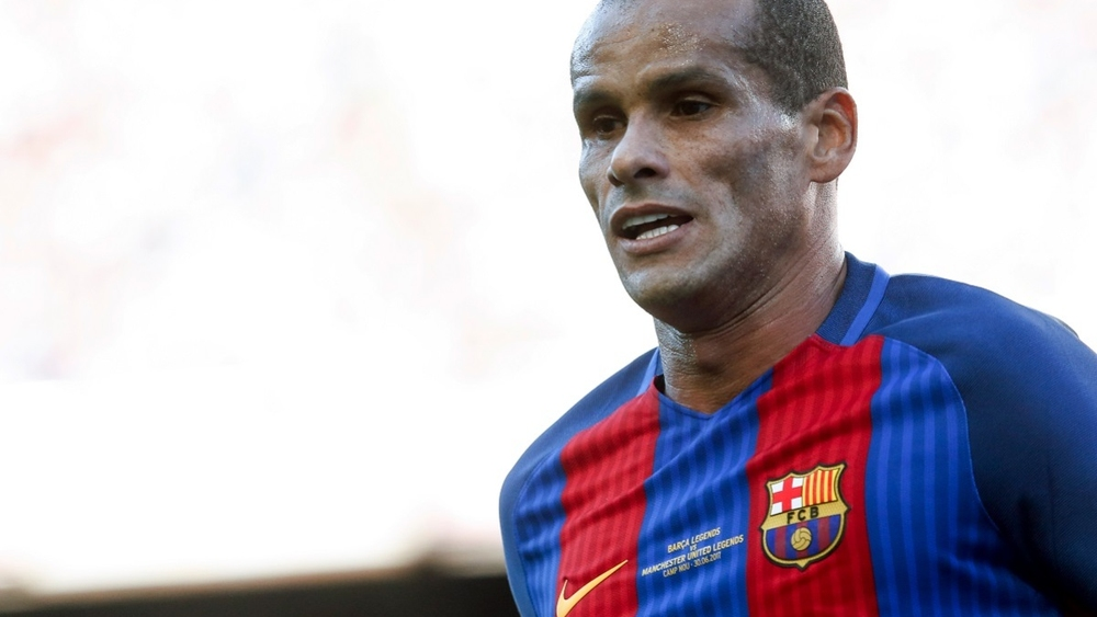 ريفالدو يتوقع خروج برشلونة من دوري الأبطال على يد نابولي
